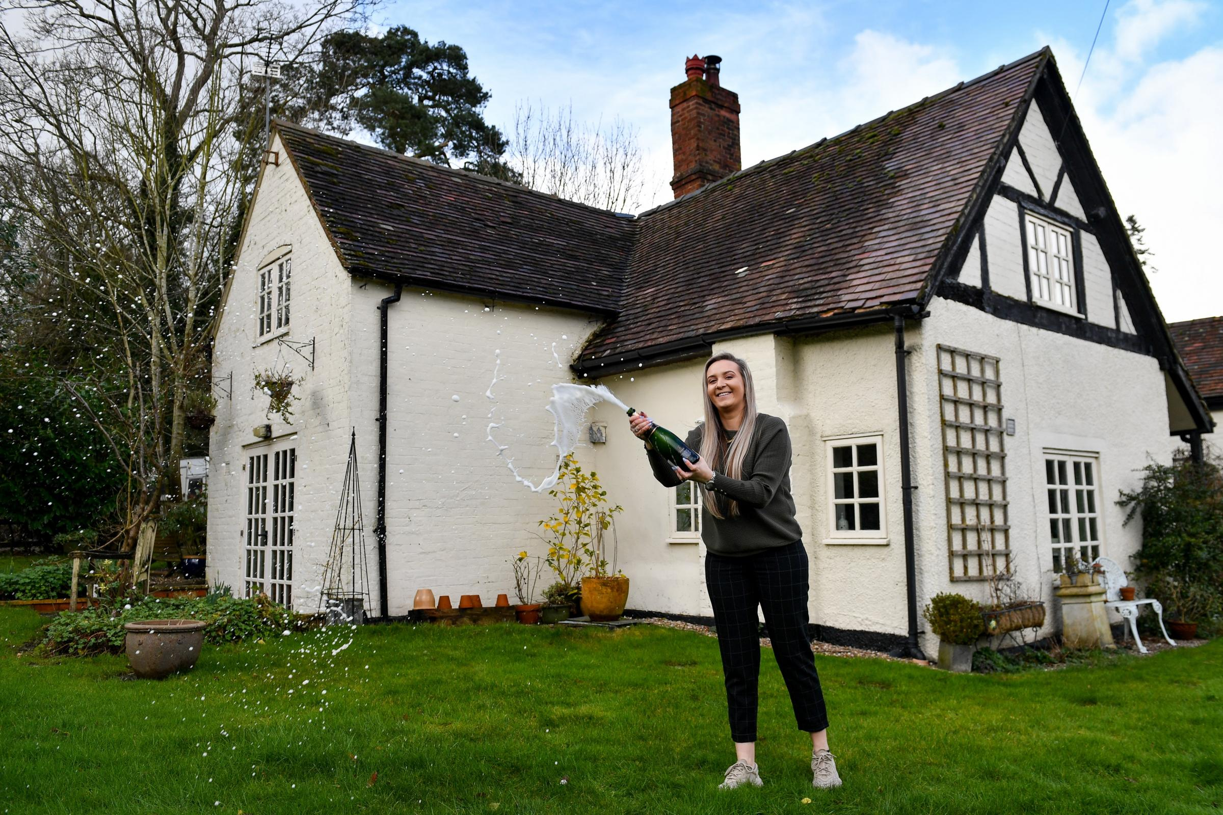 23 Year Old Wins 500 000 Farmhouse With 2 Prize Draw Ticket In Cumbria